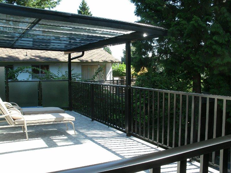 Vancouver Outdoor Deck Repair - Aluminum Railing - Newport Dry Deck Vancouver